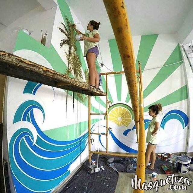 Pintura mural decoraci n akustito cocktail restaurante bar tenerife - Murales de madera ...
