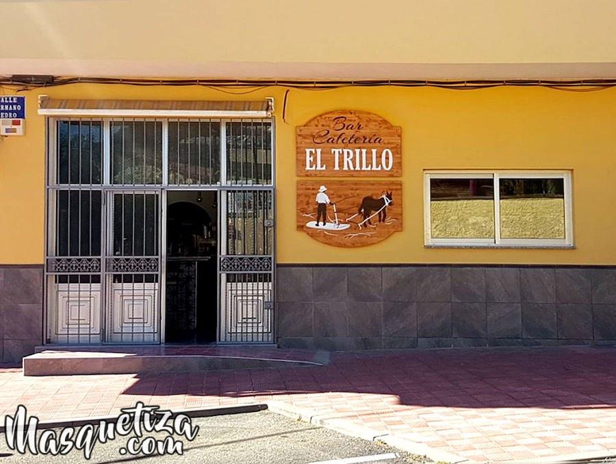 Foto Resultado Final Cartel de Madera y Diseño de Logo El Trillo Masquetiza Tenerife